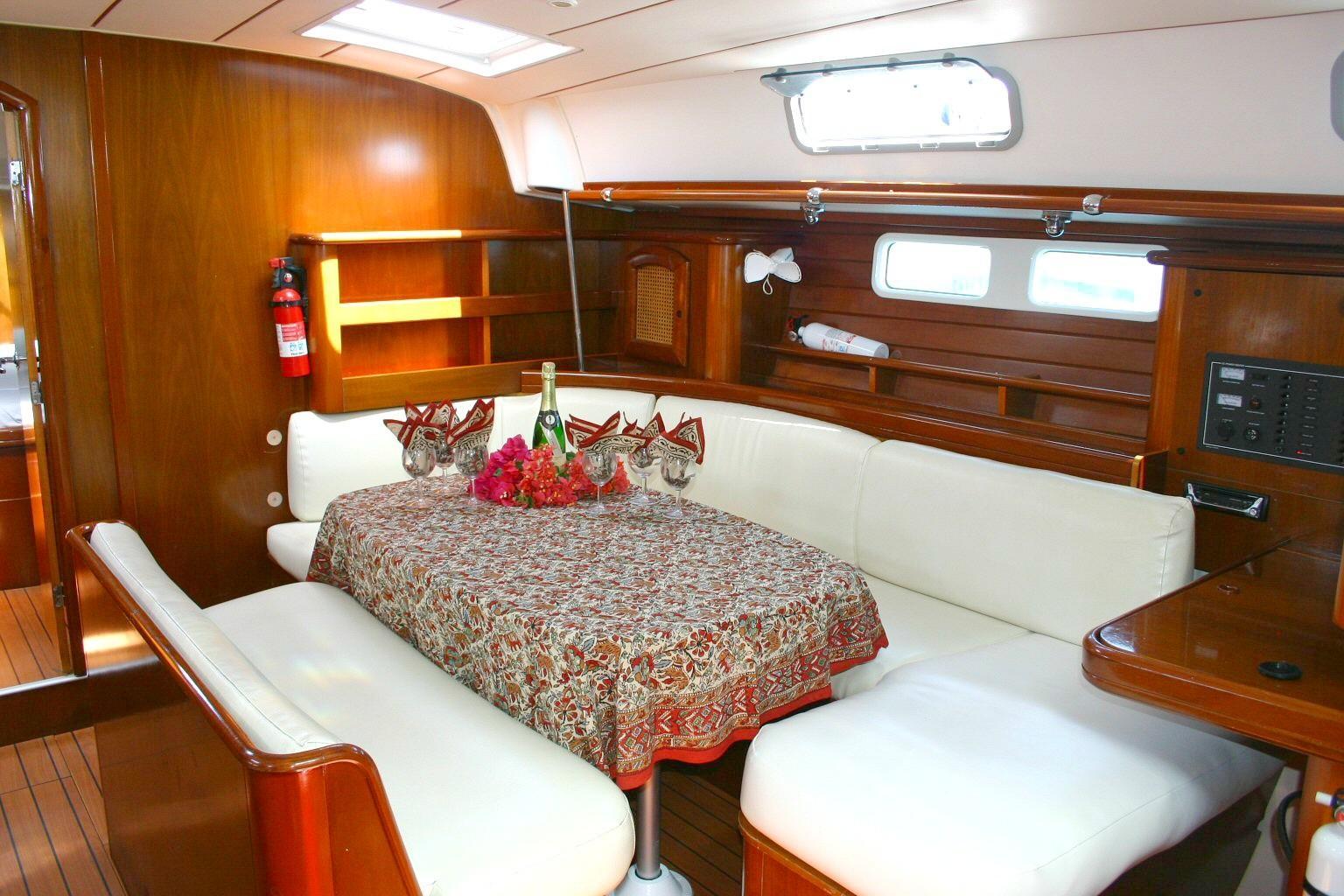 46 Beneteau Starboard Side Main Salon