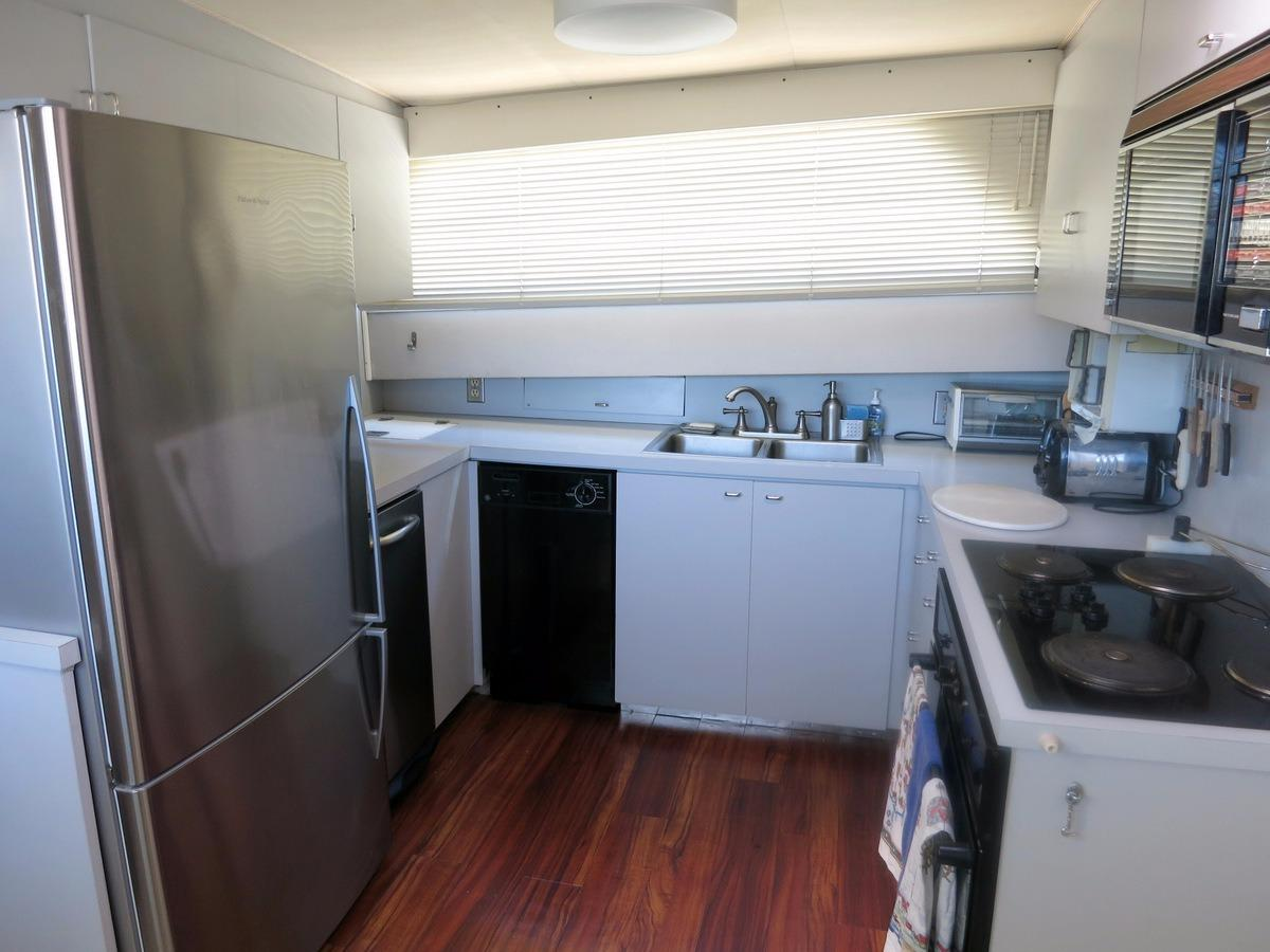 61 Hatteras Galley