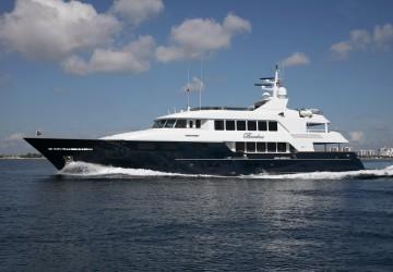 146' Trinity Yachts 2004