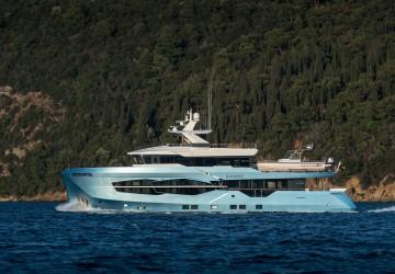 32xp Hull #4 105' Numarine 2021