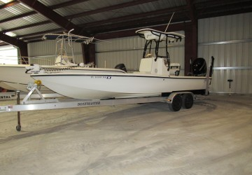 24' Yellowfin 2010