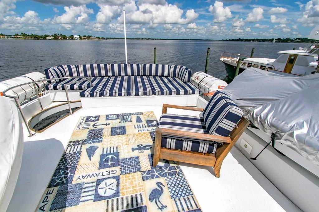 112 Benetti Upper deck