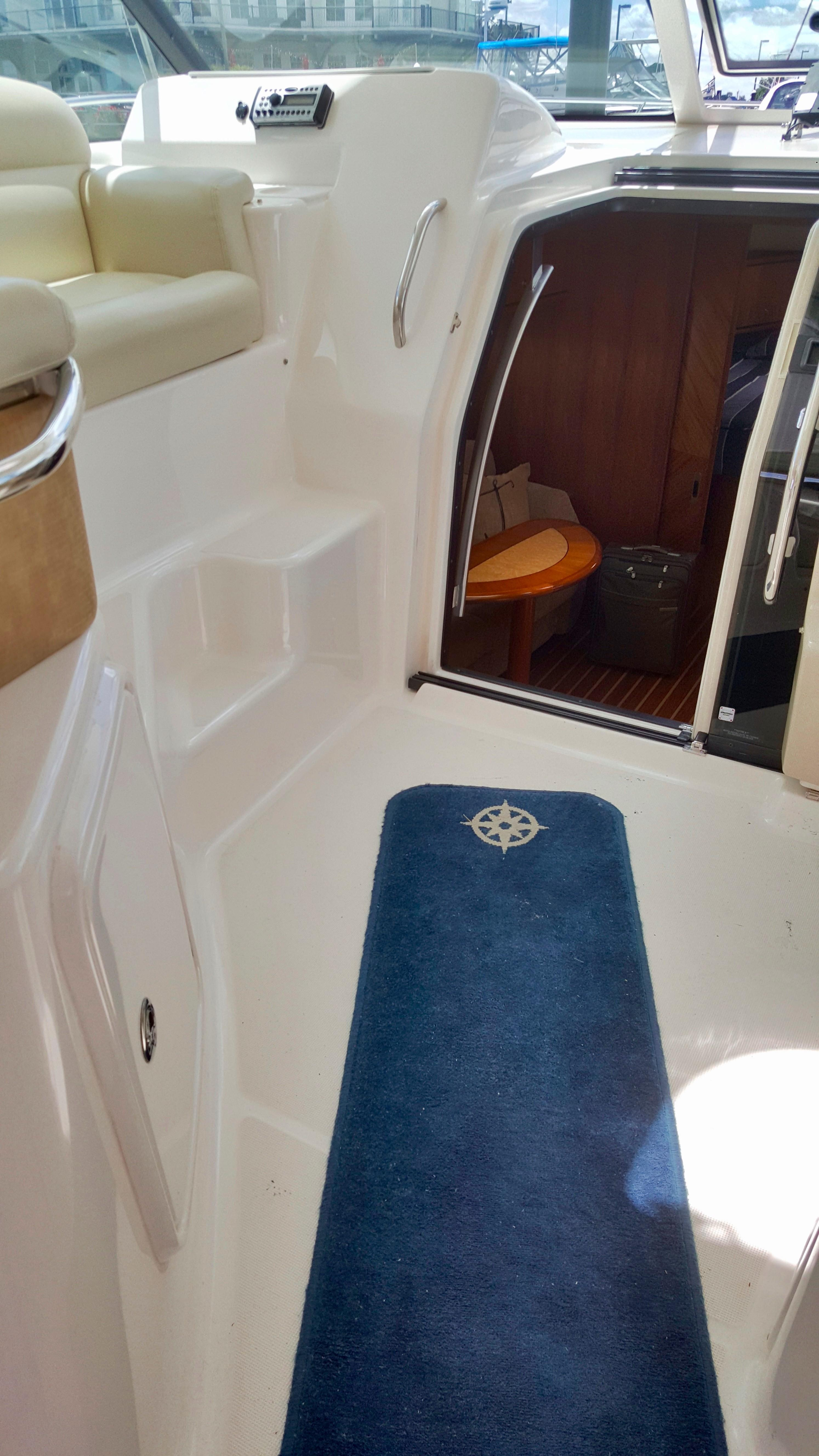 39 Tiara 2008 Private Dancer Jersey City, New Jersey Sold ...
