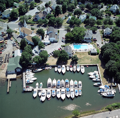Townsend Manor Inn & Marina in Greenport, NY