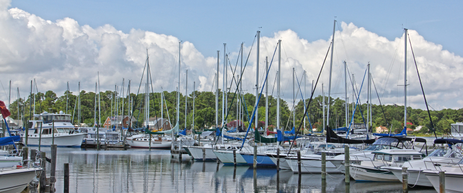Crown Pointe Marina in Hayes, VA