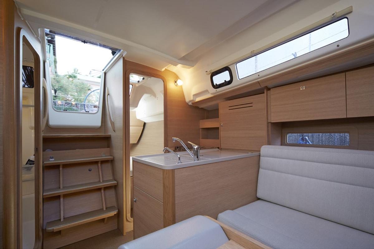 Dufour 310 Grand Large — Luxury Comfort