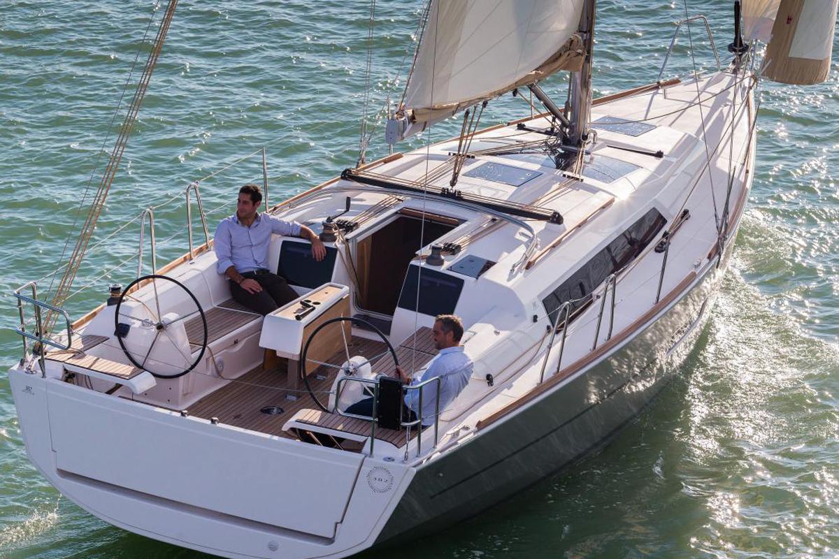 Dufour 382 Grand Large — Flexible Innovator