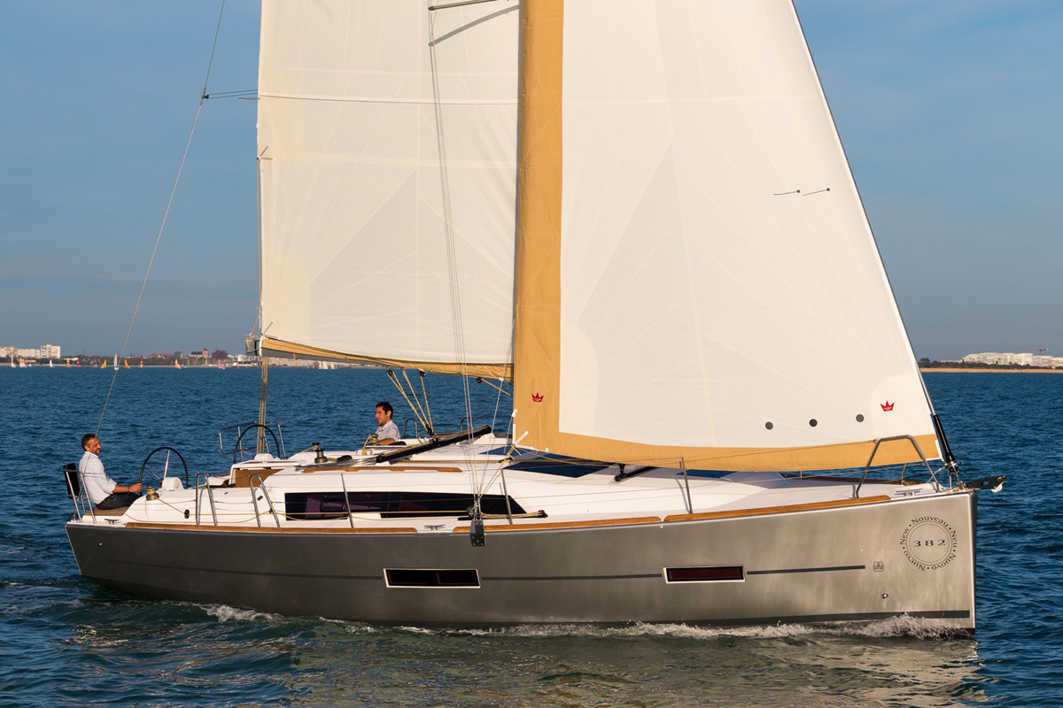 Dufour 382 Grand Large — Effortless Approach