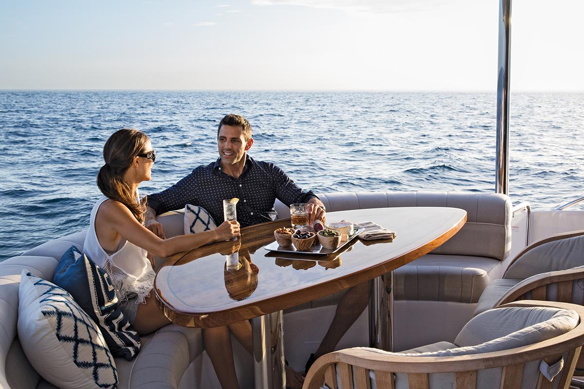 Hatteras M60 — Comfort + Luxury