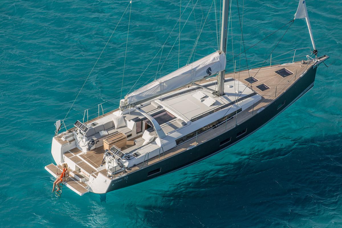 Beneteau Oceanis 55 — Exterior Design