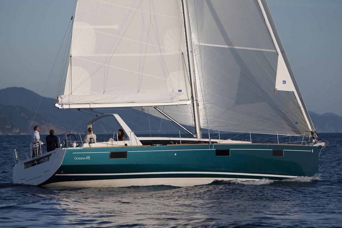 Beneteau Oceanis 48 — Attractive Sleek Silhouette