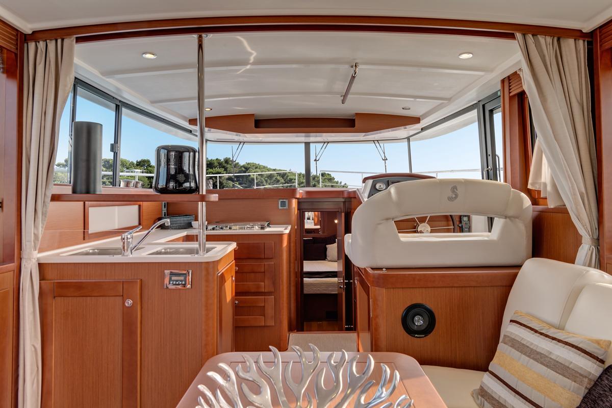 Beneteau Swift Trawler 44 — Interior Design