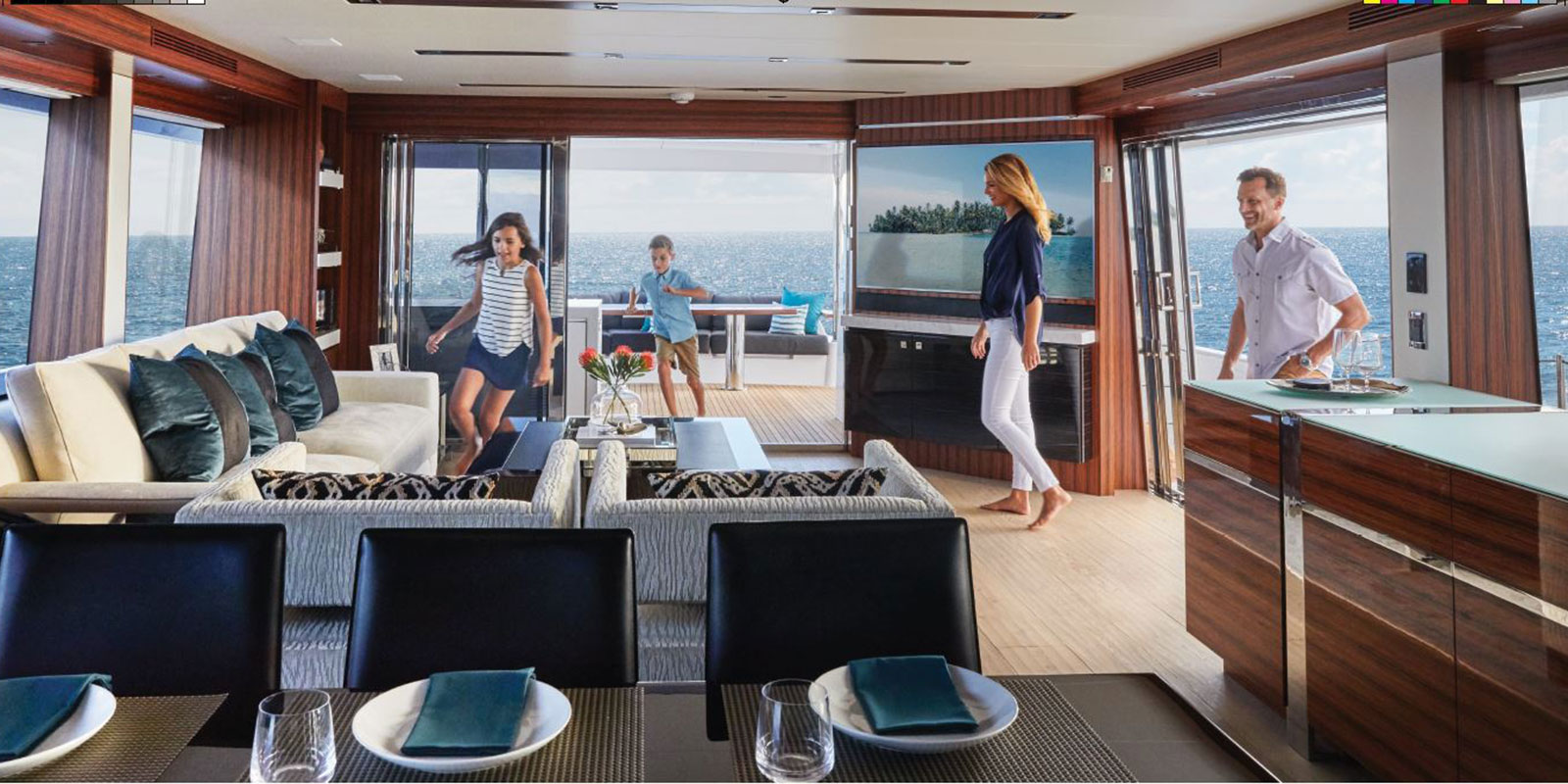 Hatteras M90 — Welcome to Hatteras Luxury