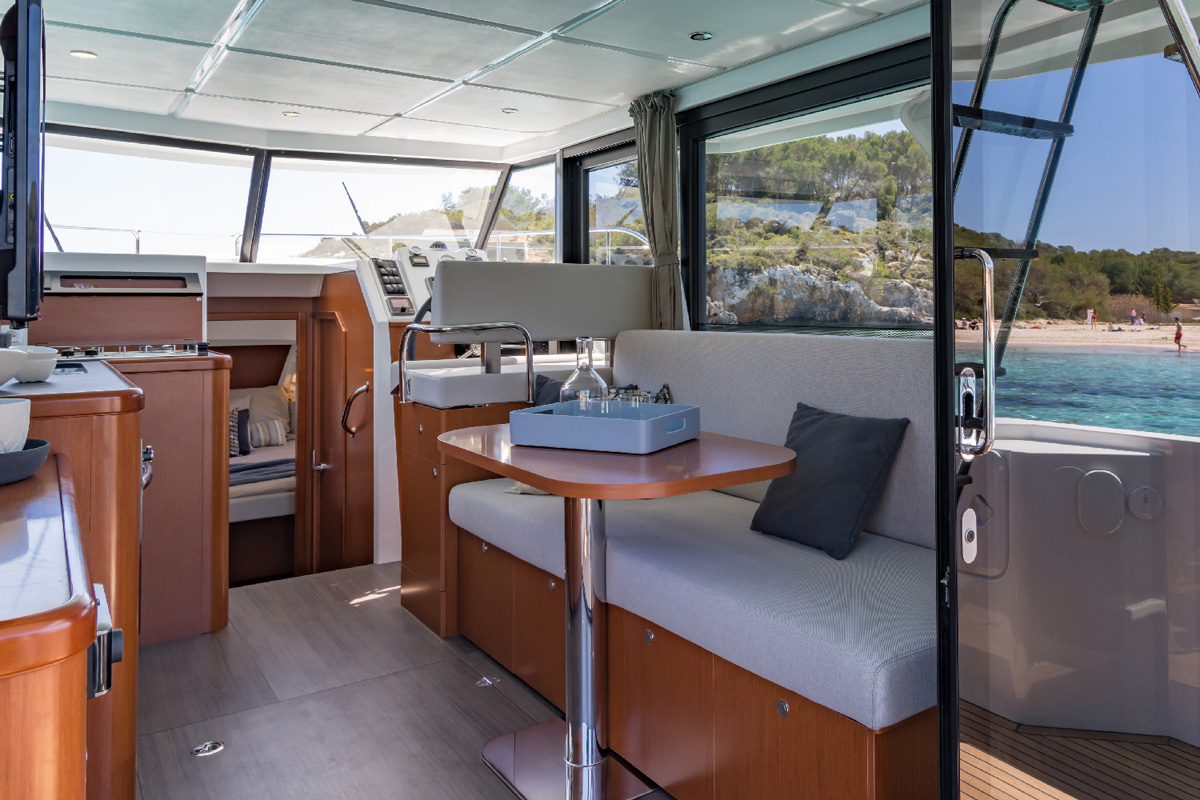 Beneteau Swift Trawler 30 — Interior Design