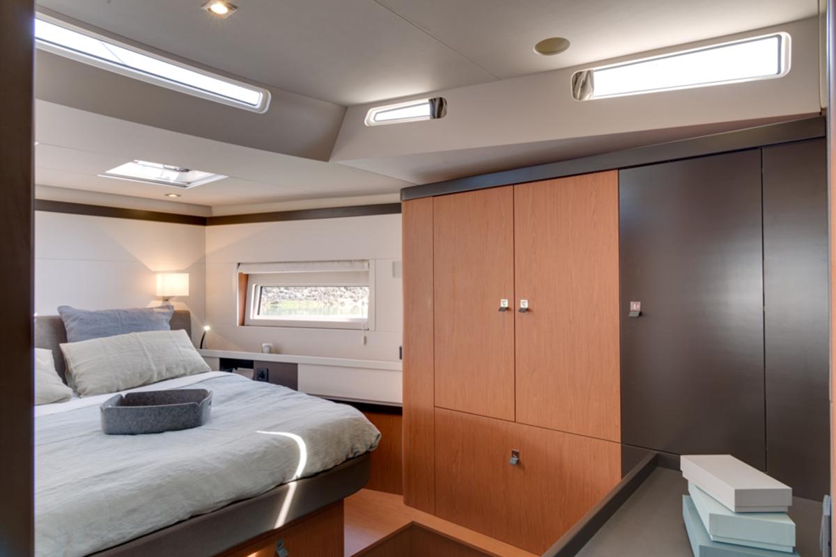 Beneteau Oceanis 62 — Bright and Spacious Owner Suite