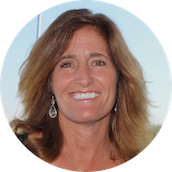 New Yachts Specialist Cynthia Wummer