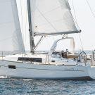 Beneteau Oceanis 35 sailboat walkthrough video