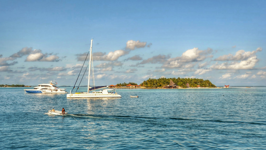 Maldives luxury yacht charter vacation itinerary
