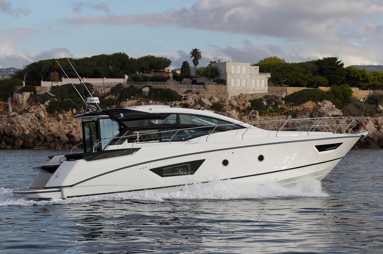 Beneteau 46GT Express Cruiser Sold by Jordan Preusz