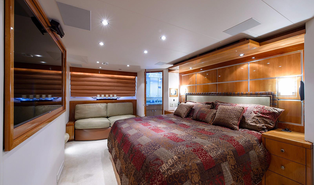 Master Stateroom for Hatteras 77 Convertible