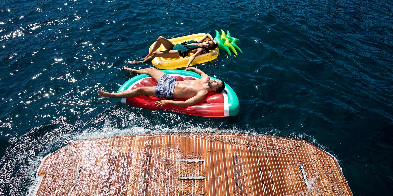 Beneteau GT50 Swim Platform