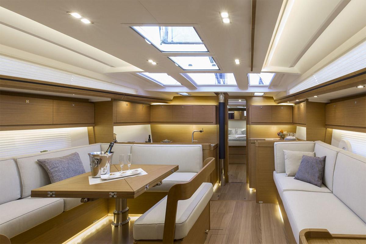 Dufour 520 Grand Large — Luxury Comfort