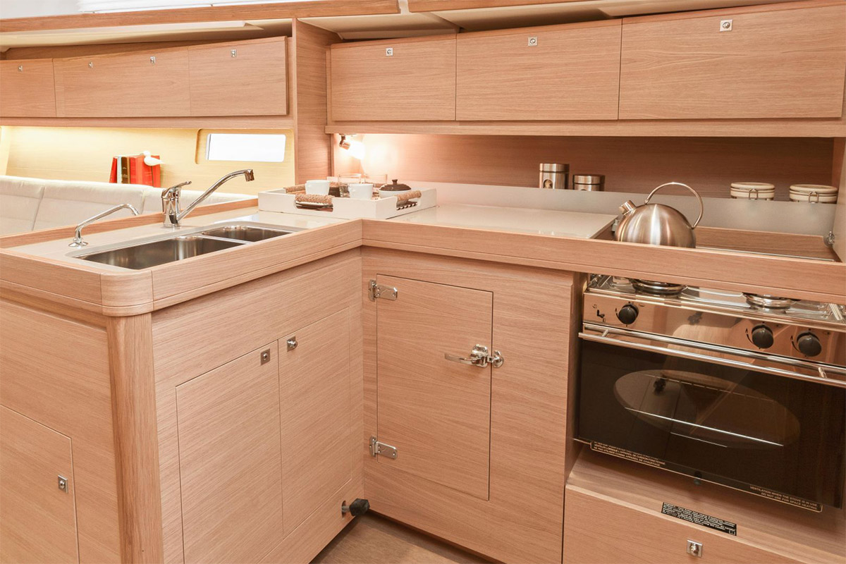 Dufour 382 Grand Large — Galley