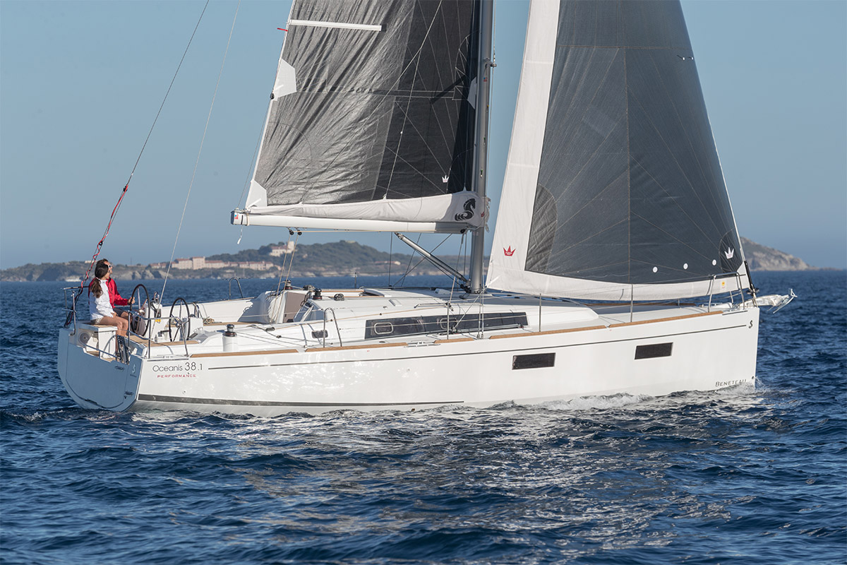 Beneteau Oceanis 38 —  Distinguished Performance