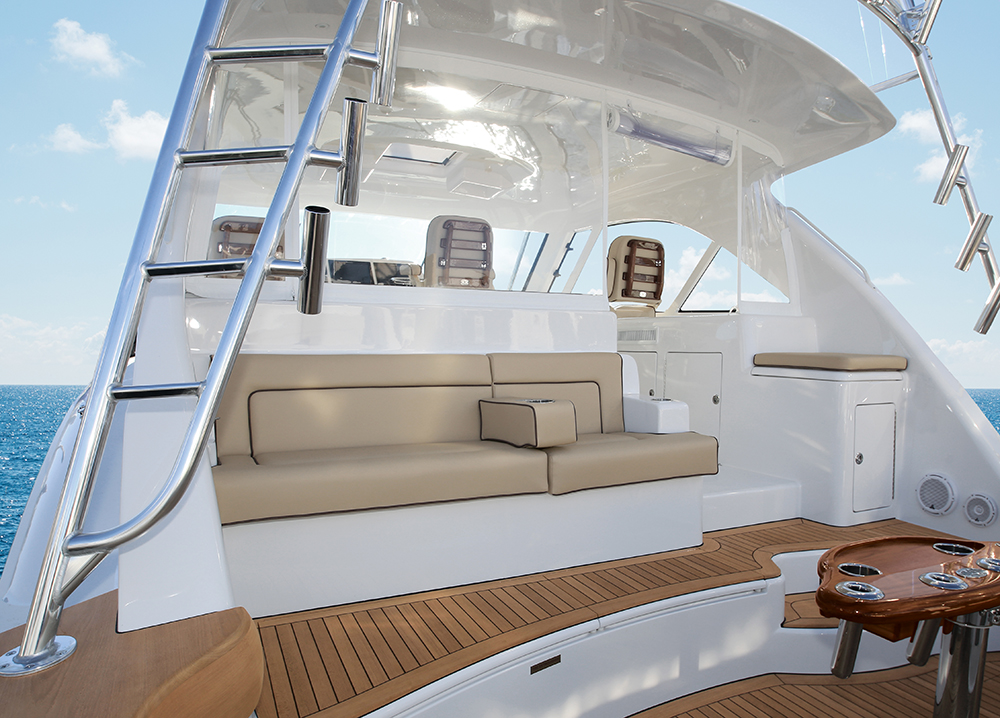 Hatteras GT45X Flybridge Cockpit