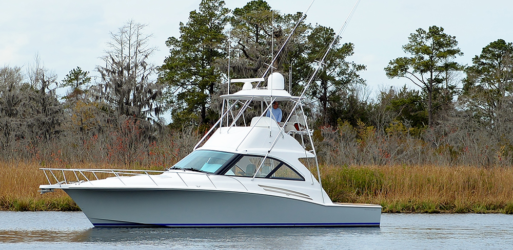 Hatteras GT45X Flybridge — Fit for the Master