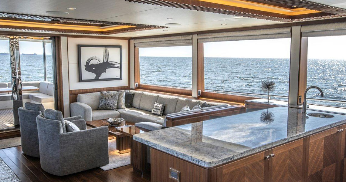 90 Ocean Alexander Motoryacht OFF THE GRID