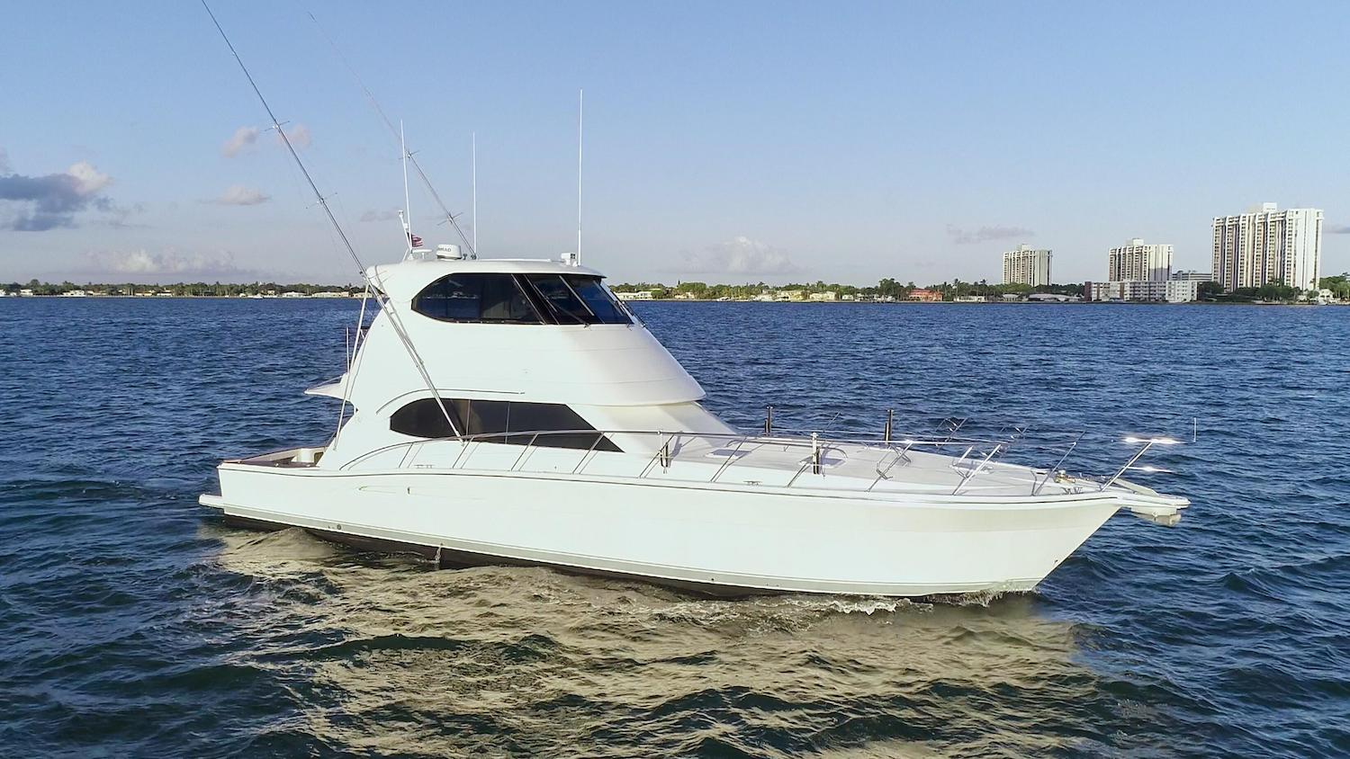 Yacht Walkthrough: 51′ Riviera Enclosed Bridge Sportfish