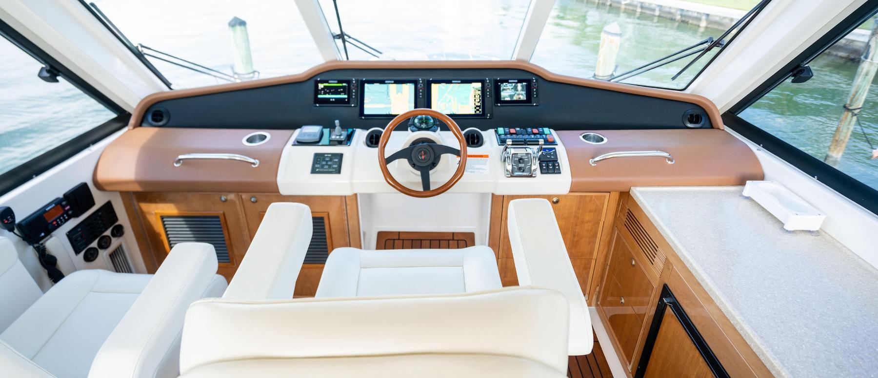 51' Riviera 2008 ST ONE Sportfish Helm