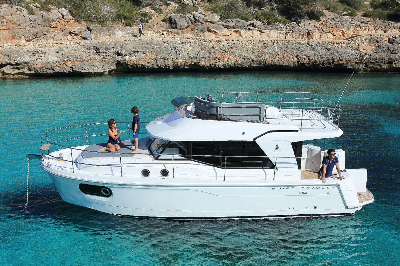 Beneteau Swift Trawler 30 yacht for sale trawler walkthrough video
