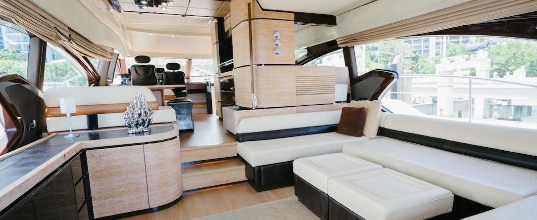 70 Azimut Motoryacht SENISA Salon