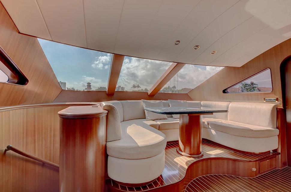 Luxury Yacht For Charter: 85' Horizon 2007 | LEXINGTON - photo 5