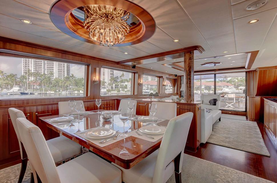 Luxury Yacht For Charter: 85' Horizon 2007 | LEXINGTON - photo 4