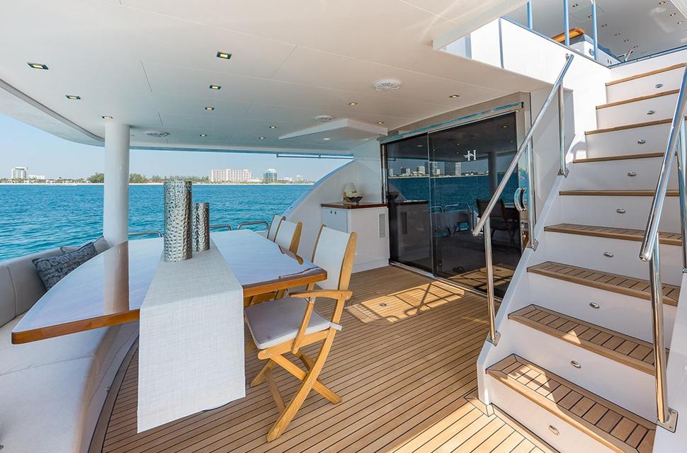 Luxury Yacht Rental: 100' Hargrave RP | MB 3 - photo 2