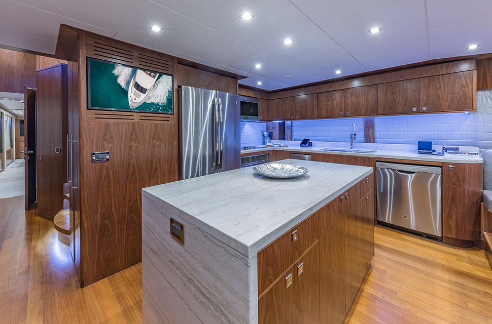Luxury Yacht Rental: 100' Hargrave RP | MB 3 - photo 4