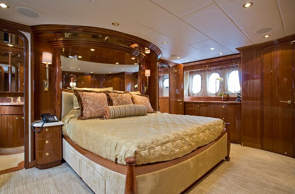 Luxury Yacht Rental: 98' Hargave 2007 | TIGERS EYE - photo 3