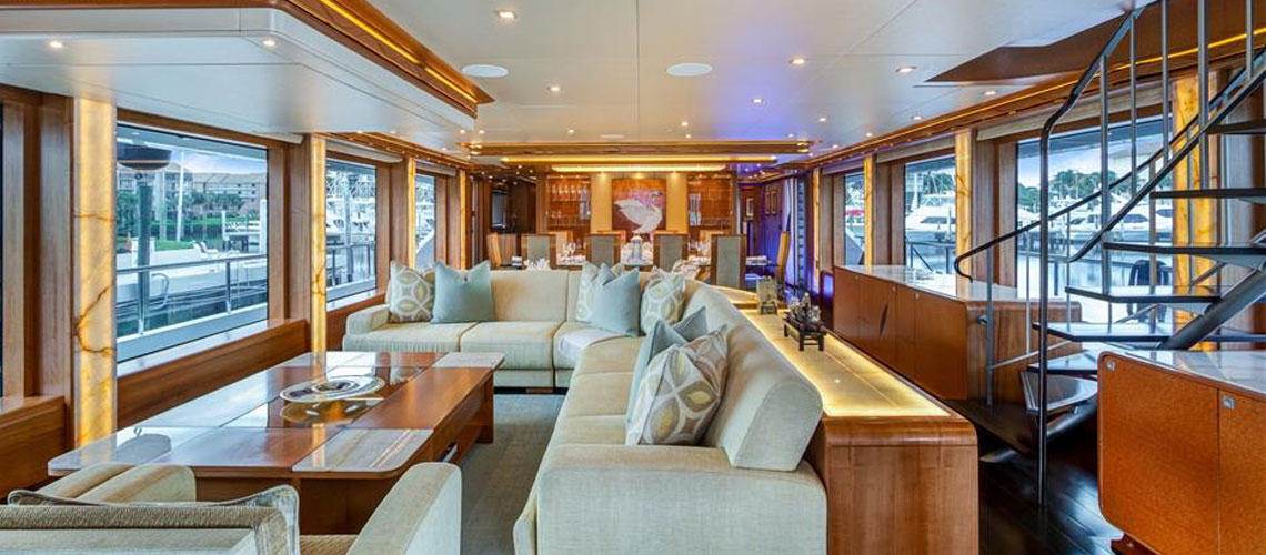 SERENITY 133' IAG motoryacht salon