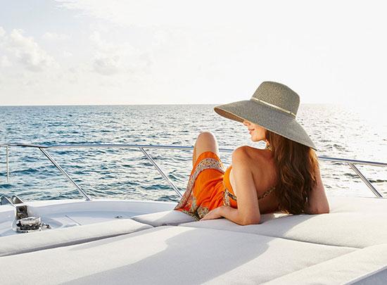Winter Yacht Charter Vacation [Bahamas + Caribbean Guide]