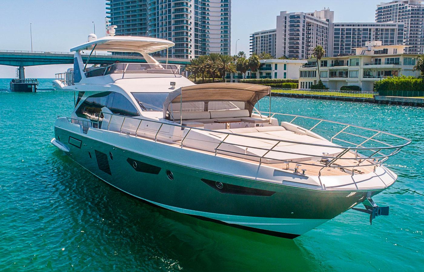 72 Azimut Flybridge 2017 OM Miami Florida