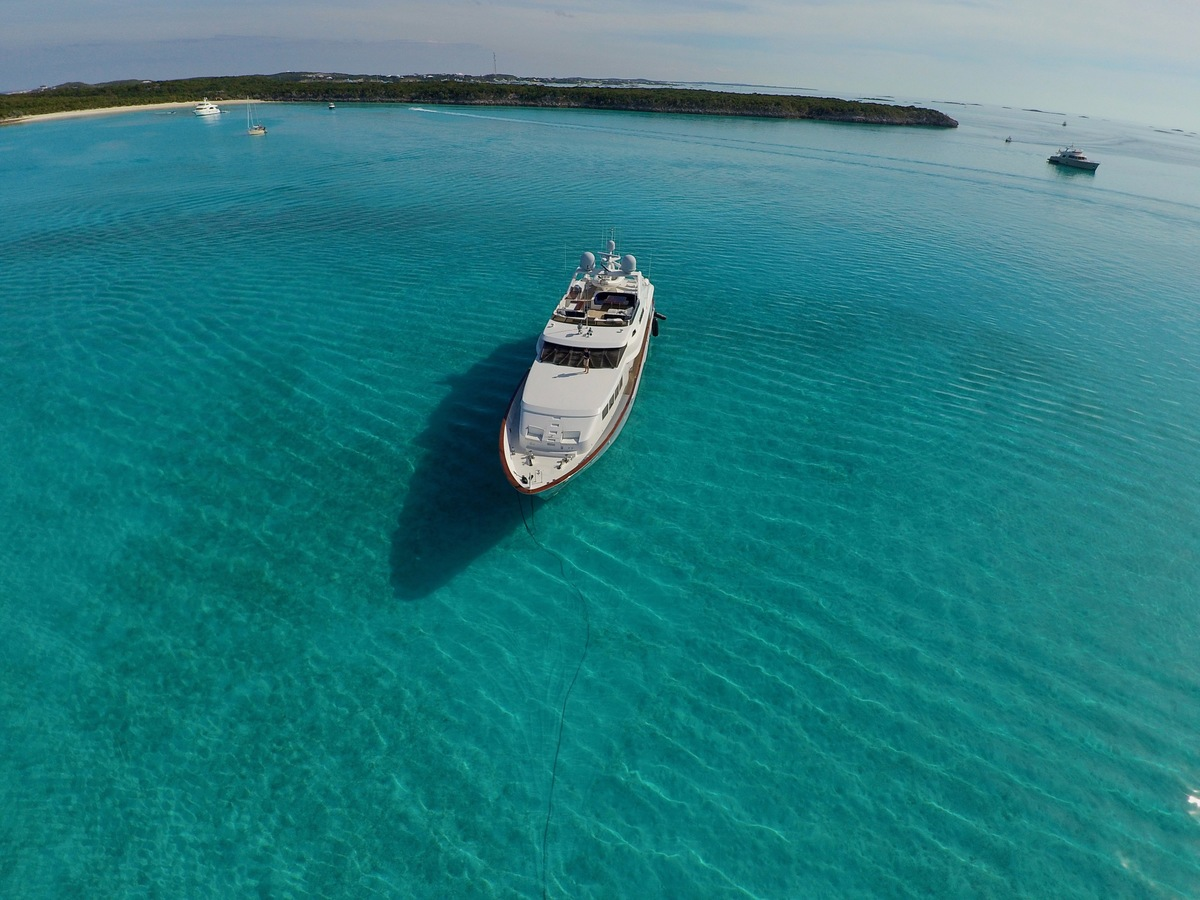 Luxury Yacht Charter: ODIN   126' Trinity 2001  - photo 2
