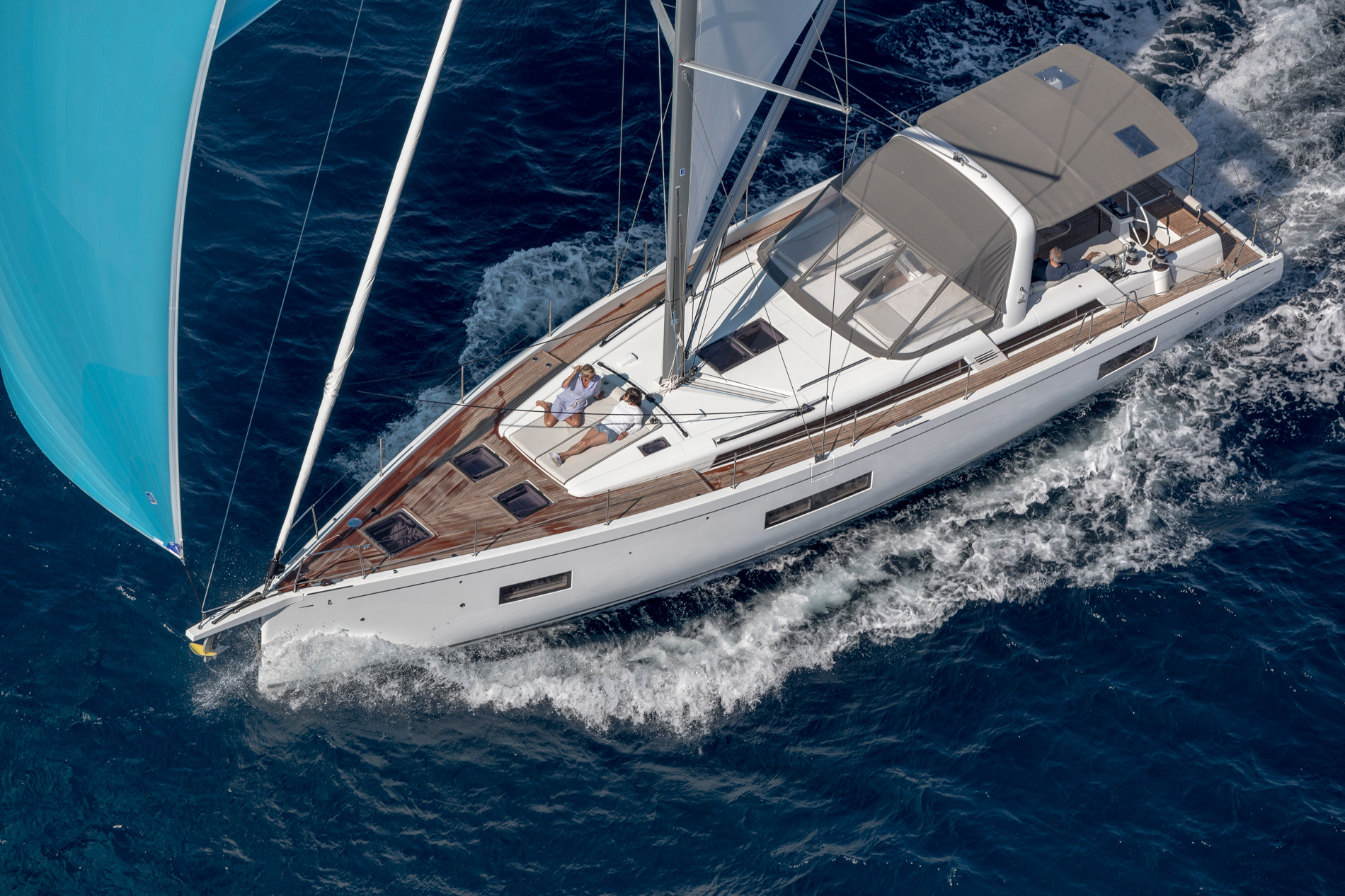 Beneteau Oceanis Yacht 54 — Welcome to a New Generation