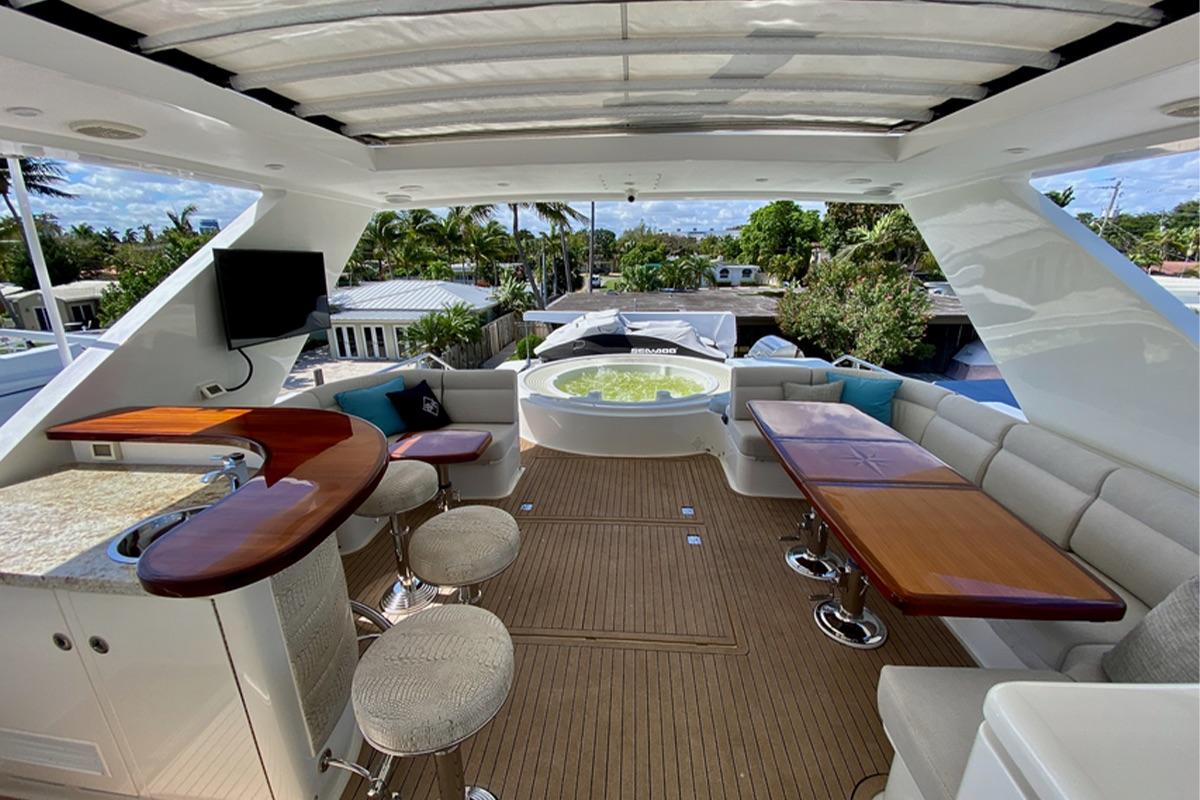 Luxurious Flybridge