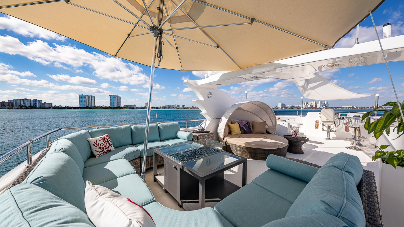 Luxury Yacht Charter: SCOTT FREE | 114' President 2008/2019 - photo 2