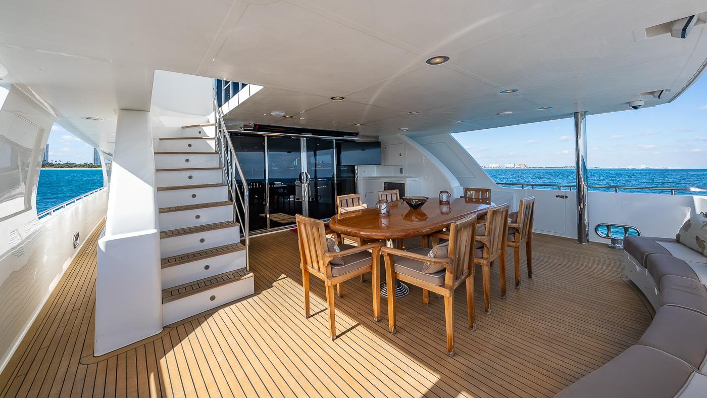 Luxury Yacht Charter: SCOTT FREE | 114' President 2008/2019 - photo 4