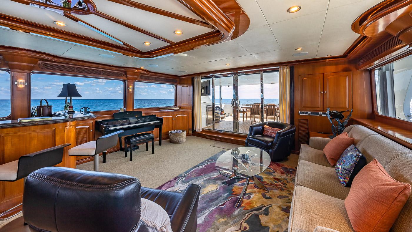 Luxury Yacht Charter: SCOTT FREE | 114' President 2008/2019 - photo 6