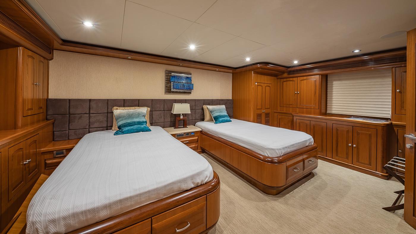 Luxury Yacht Charter: SCOTT FREE | 114' President 2008/2019 - photo 9